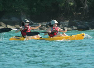 KAYAKING AND SNORKELING MANUEL ANTONIO